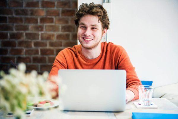 men-casual-office-working-planning-concept-PBBHUMA